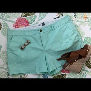 Mint green shorts from Old Navy 💚